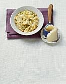 Pasta alle pere e pecorino (Nudeln mit Birnen, Toskana)