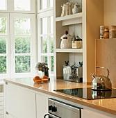 Herd & Regal in Küche