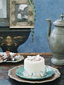 Minikuchen mit Zuckerperlen