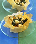Corolle de fruit de mer (Seafood in pastry shell)