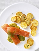 Marinated salmon with mustard & dill sauce & fried potatoes