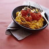Chilli noodles with garlic and baked cherry tomatoes
