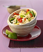 Sweet chicken salad with cauliflower, mangetout & peppers