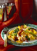 Prawns with fruity curry sauce