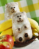 Banana and apple cake bears with coconut icing