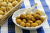 Olive ripiene (Stuffed olives in batter, Italy)