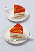 Cheese cake with fruit jelly and peaches