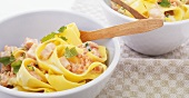 Tagliatelle with salmon and a lemon sauce