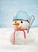Schneemann mit Küchenutensilien