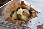 Kartoffel mit Spinat gebacken in Papillotes