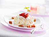 Meringue with rhubarb cream