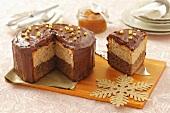 Hazelnut and almond cake with chocolate cream