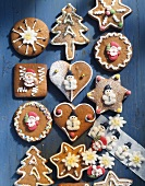 Honey gingerbread in various shapes