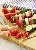 Turkey kebabs with courgette and pepper (raw)