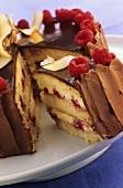 Lamington Kuchen mit Himbeeren (Australien)
