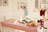 Backstilleben auf Küchentisch