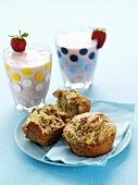 Banana muffins and strawberry shakes
