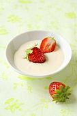 Crème fraîche with strawberries