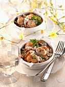 Scallops with mushrooms in cream sauce