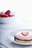 Rice cake with strawberry cream