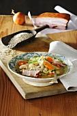 Ritschert mit Gemüse und Bauchfleisch
