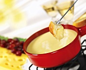 Cheese fondue with white bread