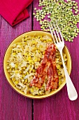 Sauerkraut with peas and bacon