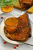 Ginger cake with spicy toddy