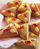 cinnamon gingerbread with almonds