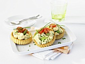 Egg and asparagus tartlets with herbs