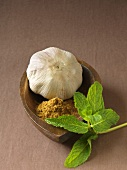 Garlic bulb, caraway and mint (North East African cuisine)