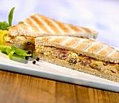 Denver sandwich (Ham and scrambled egg in toast, USA)