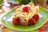 Crumble cake with raspberries