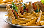 BLT sandwich (bacon, lettuce and tomato) with chips