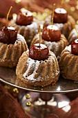Mini gingerbread punch gugelhupfs