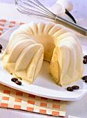 Zuccotto al gelato (Eistorte mit Biskuit, Italien)