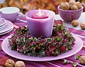 Windlicht mit Kranz aus Besenheide, Hortensien, Schönfrucht