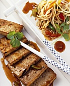Fried chow mein noodles with marinated tofu
