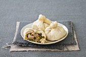 Steamed filled bread dumplings from N. China
