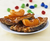 Pain perdu (French toast) with apricots