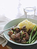 Boeuf Bourguignon with green beans and mashed potato