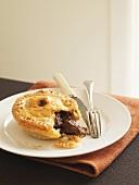 Beef and mushroom pie (UK)