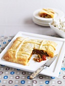 Green bean and tomato pie with puff pastry