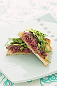 Minced beef on toast triangles