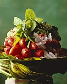 Strawberry salad with mint and pepper