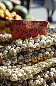 Garlic on a market stall (Abruzzo, Italy)