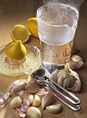Garlic decoction with lemon