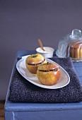 Apples with spekulatius cookie stuffing