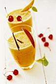 Mango drink with vanilla