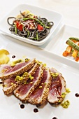 Seared tuna with pistachios